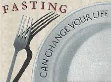 fork and empty plate says fasting can change your life